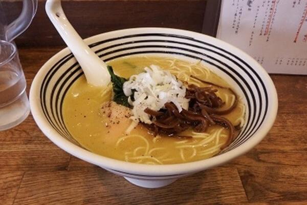 麺屋すみす(博多水炊きラーメン)