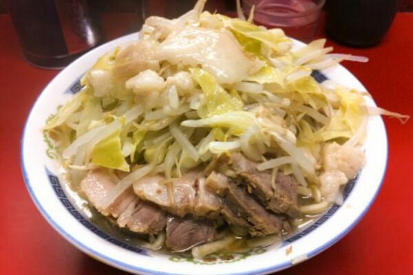 ラーメン二郎目黒店(小ラーメン豚入り)