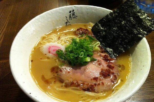 麺屋藤しろ(濃厚鶏白湯ラーメン)